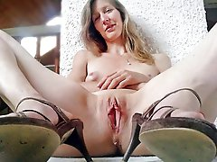 Delicious mature housewife get naked