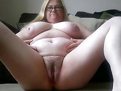 Horny mature whore seducing like a pro