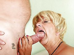 Aged MILF having soaked cunt